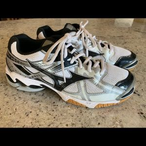 Mizuno Wave Bolt Volleyball Shoes Size 7.5